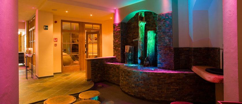 Italy_San-cassiano_Hotel-fanes_Spa2.jpg